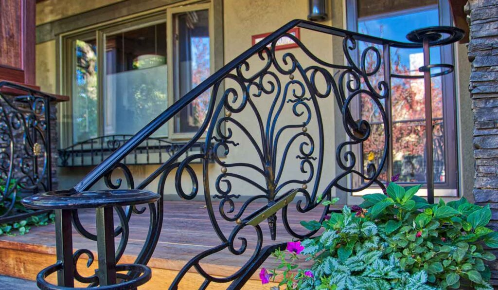 curved iron railing design