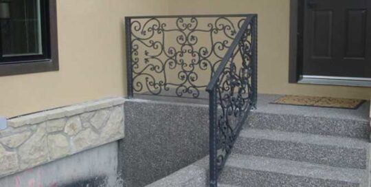 R16 ornate metal railing