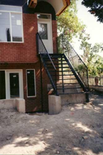 long metal staircase & railing - black