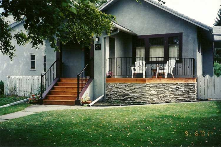 diamond pattern deck railings on Calgary home