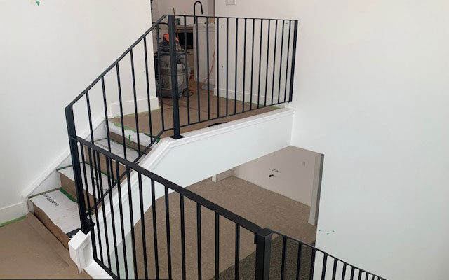 Simple staircase railing